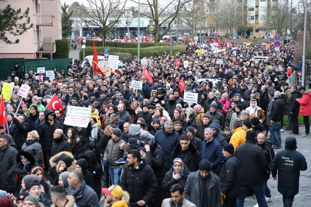 Hanau'da ırkçılık ve teröre karşı yürüyüş galerisi resim 1