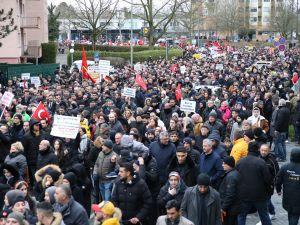 Hanau'da ırkçılık ve teröre karşı yürüyüş