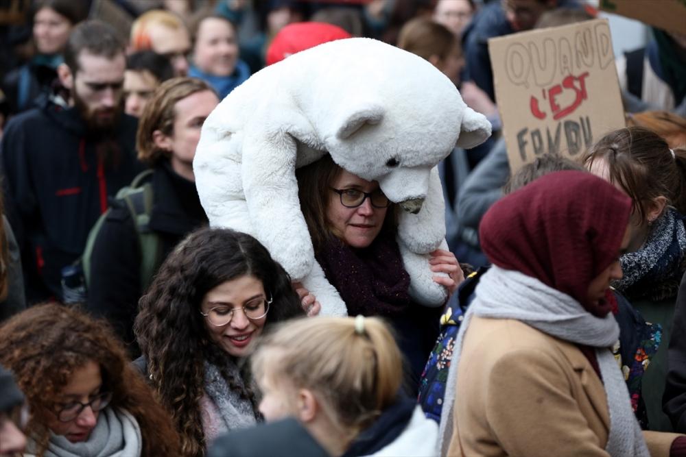 İklim protestosuna binlerce kişi katıldı galerisi resim 1