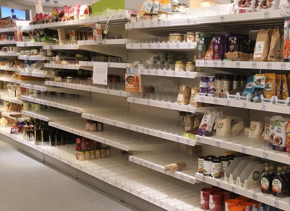 Almanya'da market rafları boşaldı galerisi resim 15