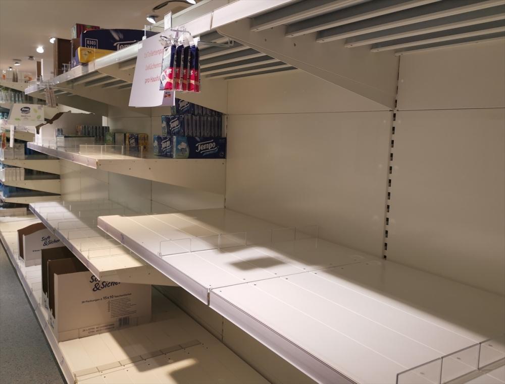 Almanya'da market rafları boşaldı galerisi resim 5