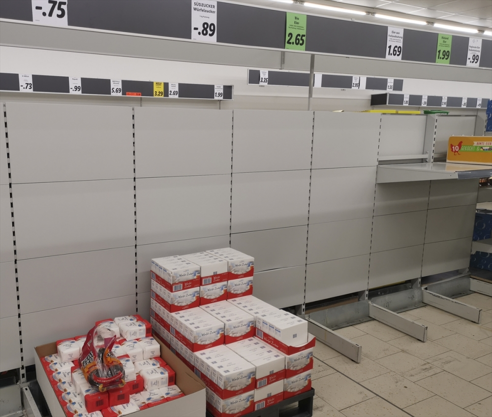 Almanya'da market rafları boşaldı galerisi resim 7