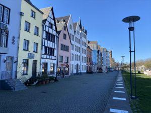Almanya'da ikiden fazla kişinin bir araya gelmesi yasaklandı