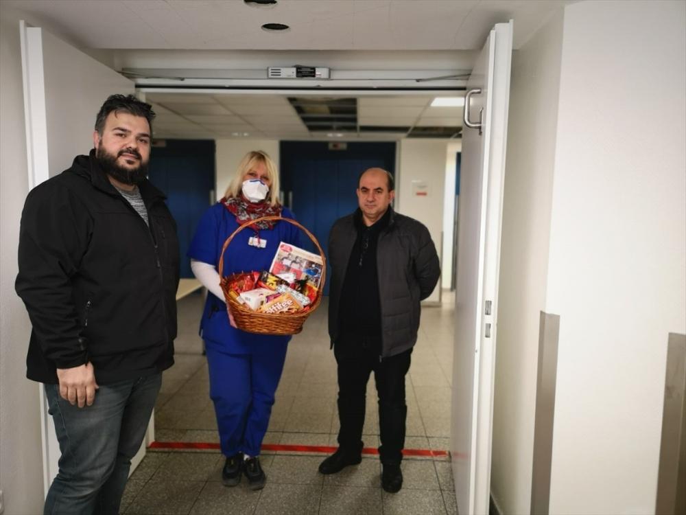 Almanya'daki Türklerden sağlıkçılara destek ziyareti galerisi resim 1