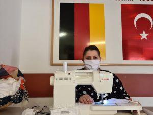 Gurbetçi kadınlar ücretsiz maske