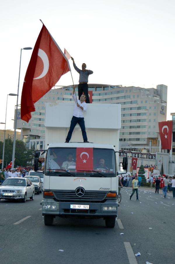 Yurttan darbe girişimi protestoları galerisi resim 6