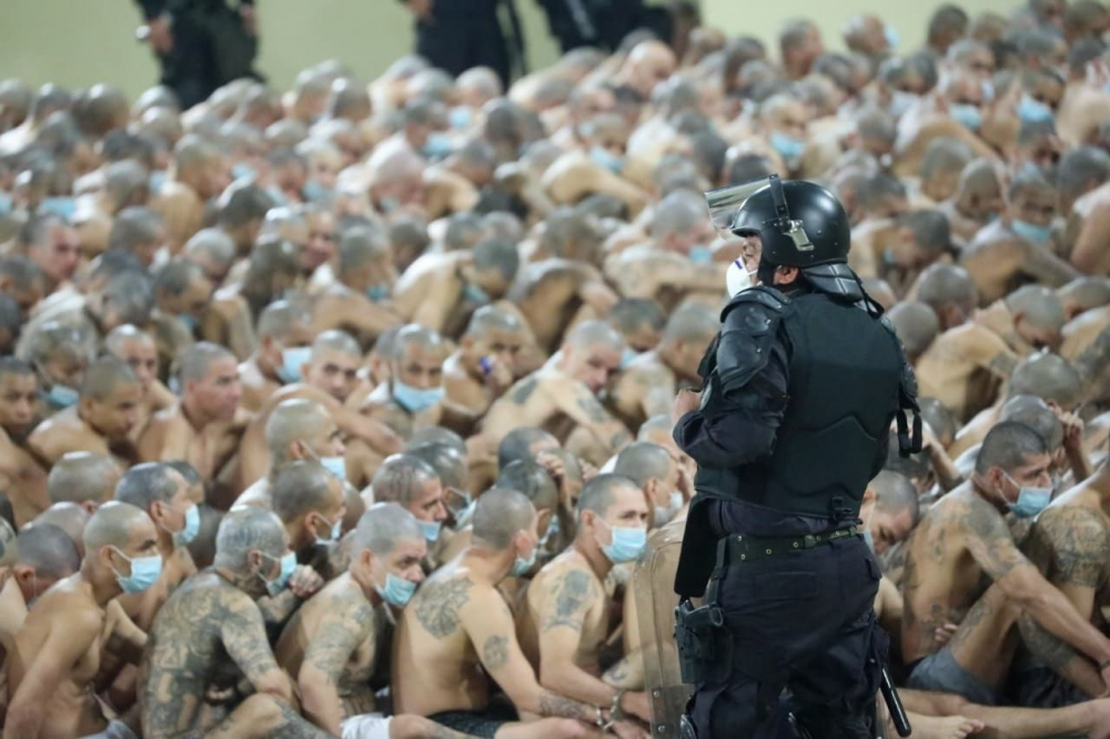 Mahkumlara insanlık dışı hücre hapsi galerisi resim 1