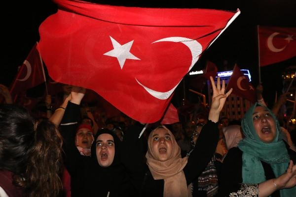 Taksim'de darbe girişimi protestosu galerisi resim 2