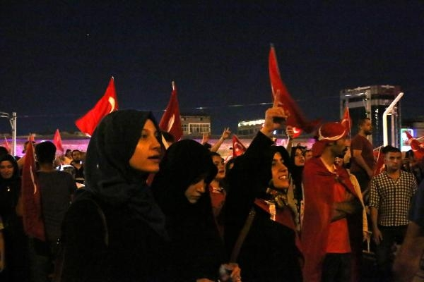 Taksim'de darbe girişimi protestosu galerisi resim 3