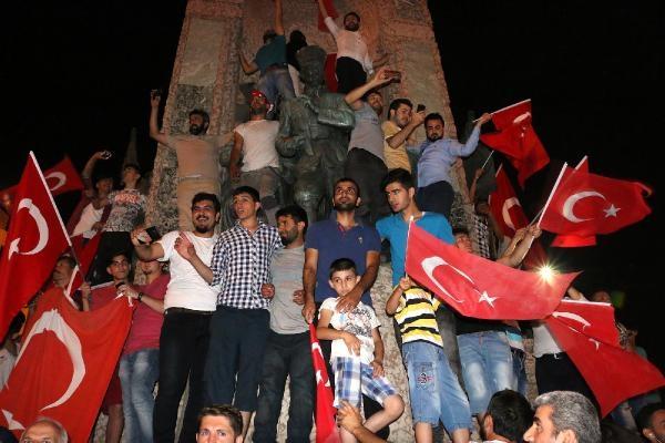 Taksim'de darbe girişimi protestosu galerisi resim 5