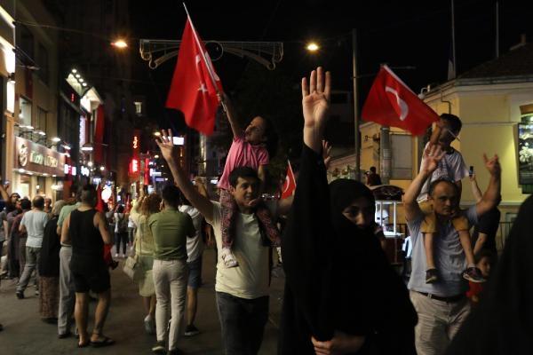 Taksim'de darbe girişimi protestosu galerisi resim 7