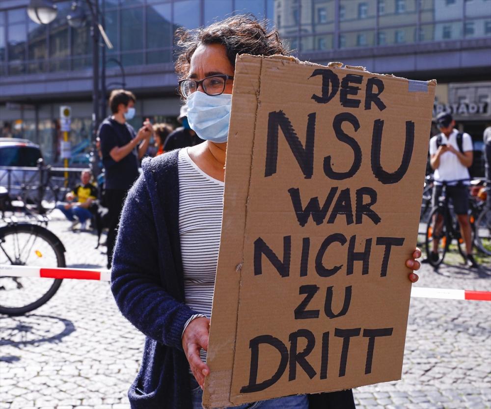 Berlin'de ırkçılık protestosu galerisi resim 12