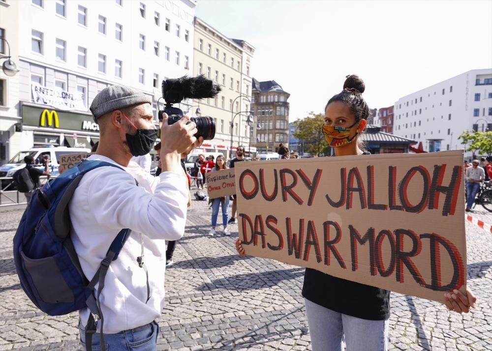 Berlin'de ırkçılık protestosu galerisi resim 28