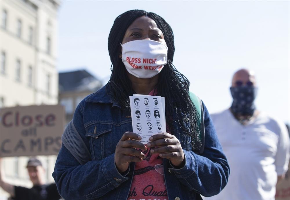 Berlin'de ırkçılık protestosu galerisi resim 3