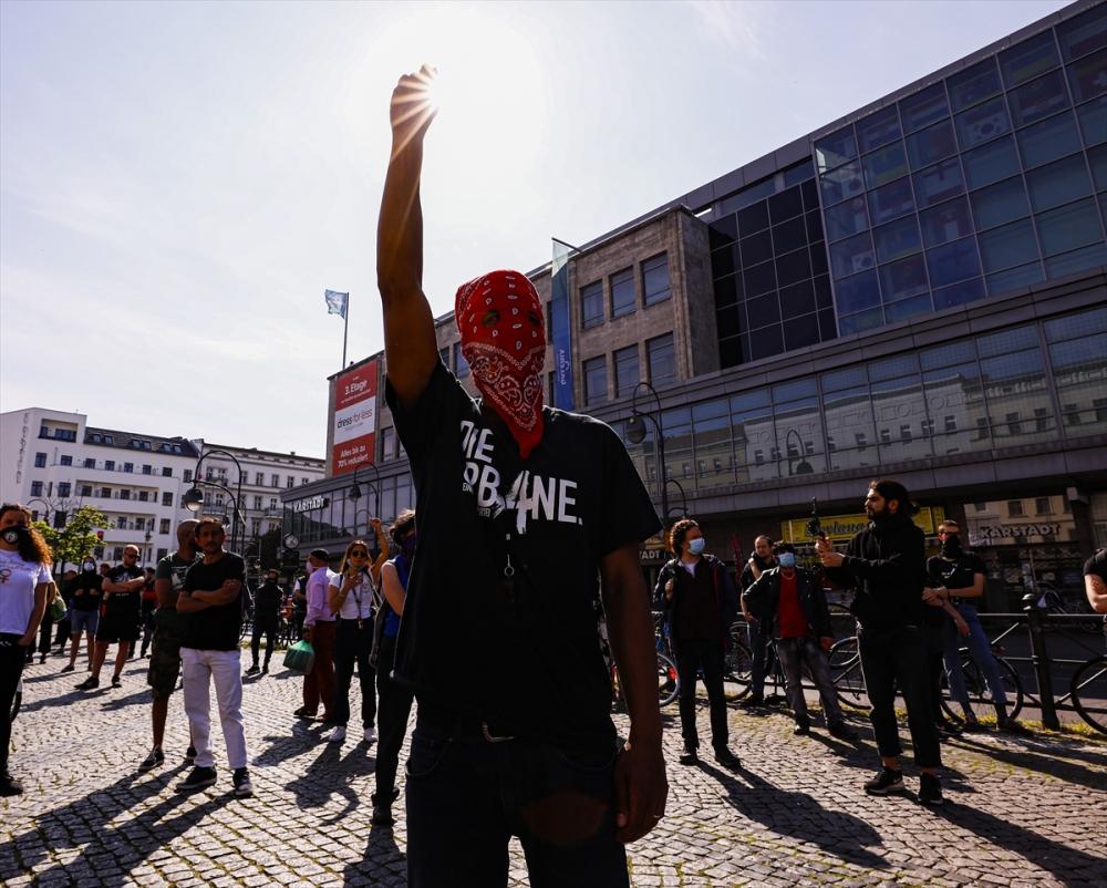 Berlin'de ırkçılık protestosu galerisi resim 30