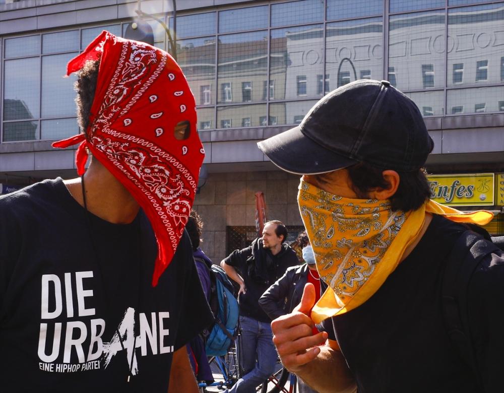 Berlin'de ırkçılık protestosu galerisi resim 33