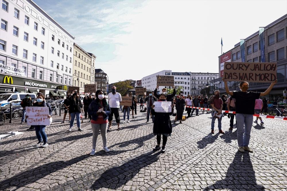 Berlin'de ırkçılık protestosu galerisi resim 34