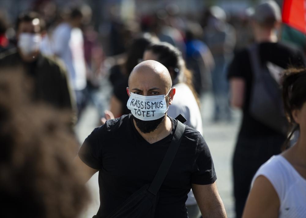 Berlin'de ırkçılık protestosu galerisi resim 6