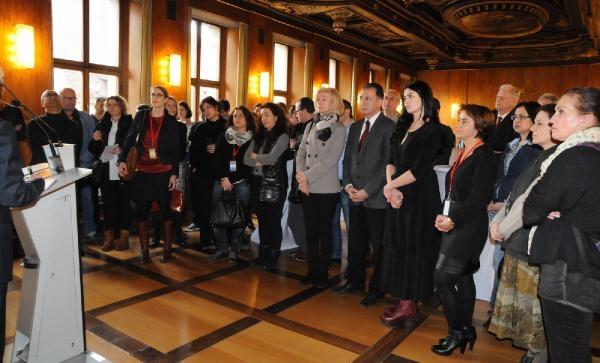 Nürnberg'de sanatçılar onuruna resepsiyon galerisi resim 3