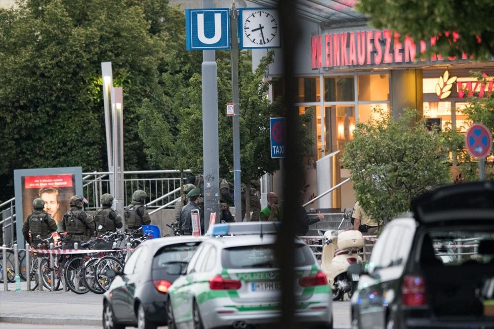 Münih'te terör saldırısı: 10 ölü galerisi resim 7