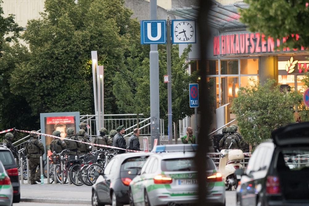 Münih'te terör saldırısı: 10 ölü galerisi resim 9
