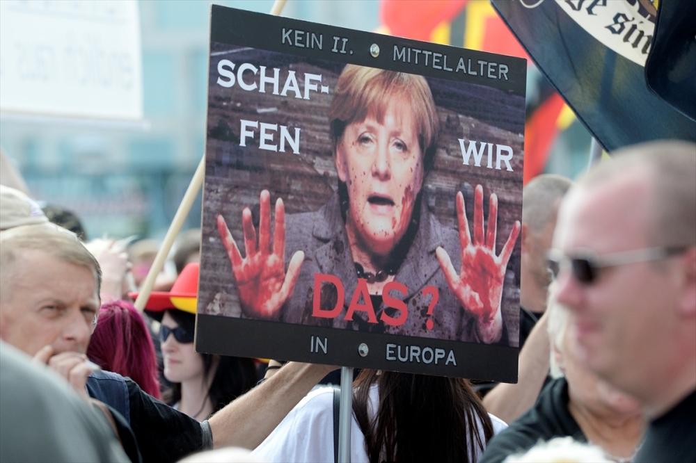 'Almanya'yı sevmeyen Almanya'yı terk etsin' galerisi resim 1