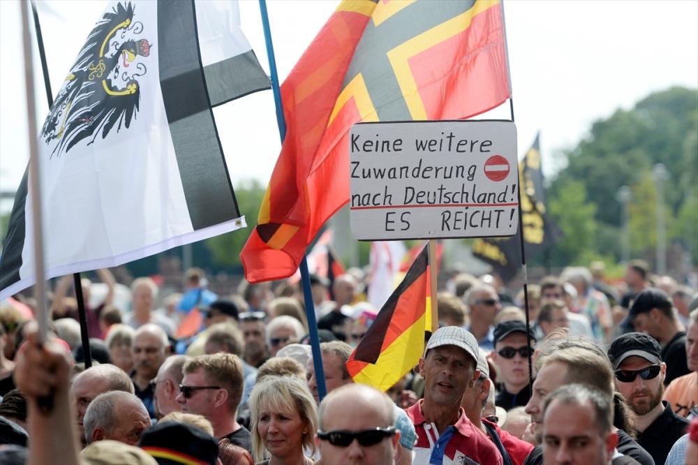 'Almanya'yı sevmeyen Almanya'yı terk etsin' galerisi resim 2