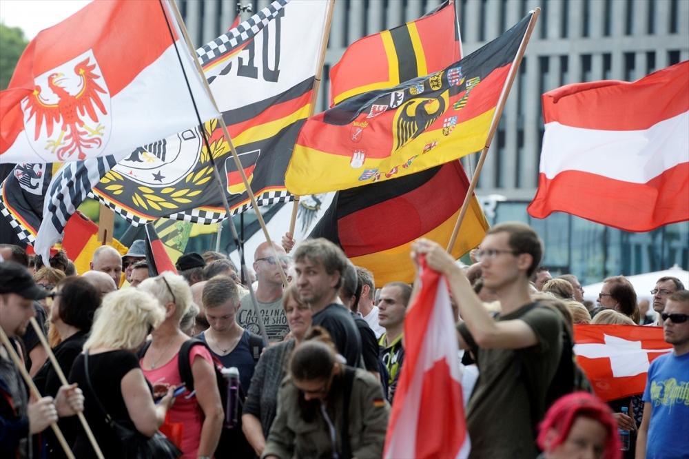 'Almanya'yı sevmeyen Almanya'yı terk etsin' galerisi resim 4