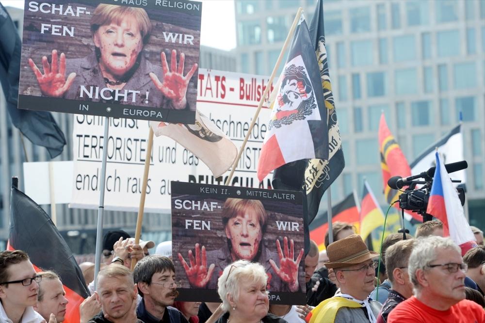 'Almanya'yı sevmeyen Almanya'yı terk etsin' galerisi resim 5