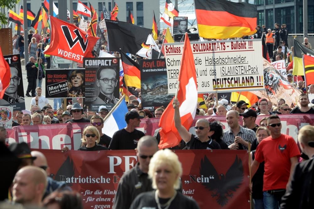 'Almanya'yı sevmeyen Almanya'yı terk etsin' galerisi resim 6