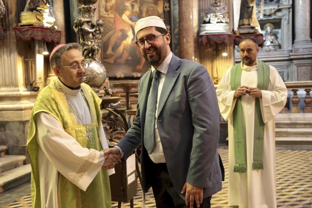 Müslümanlar pazar ayinine katıldı galerisi resim 12