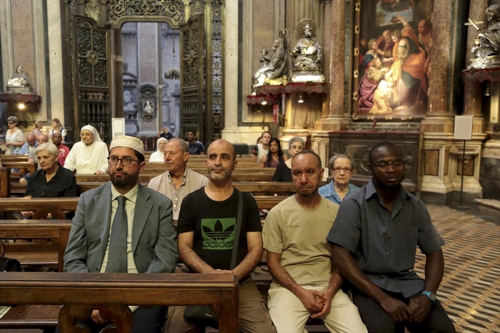 Müslümanlar pazar ayinine katıldı galerisi resim 4