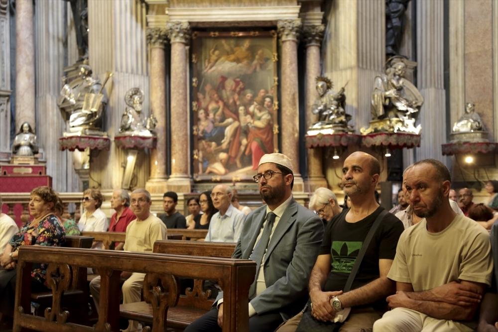 Müslümanlar pazar ayinine katıldı galerisi resim 6