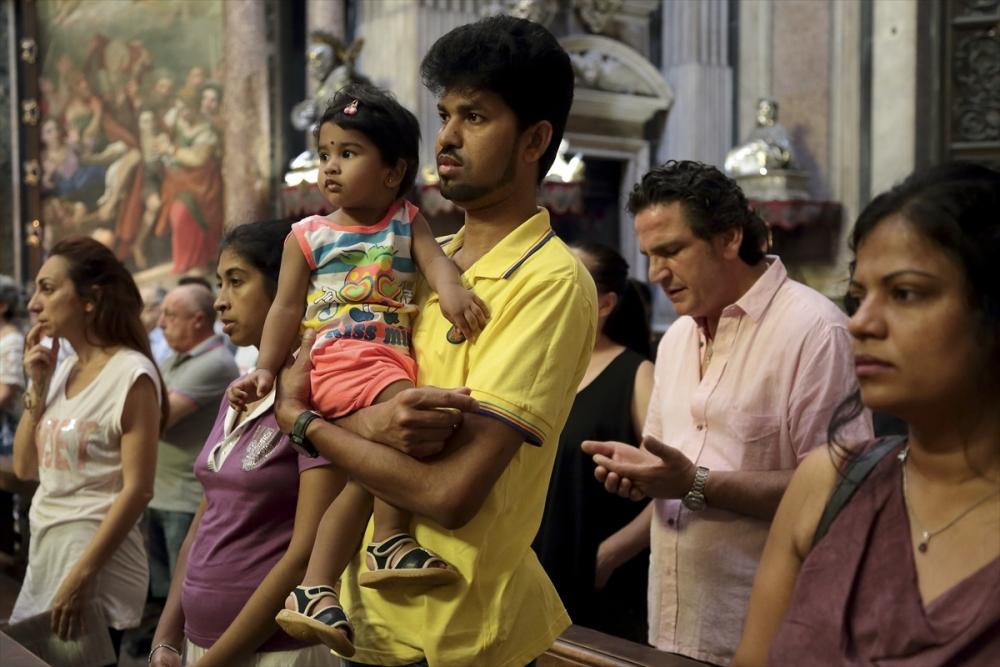 Müslümanlar pazar ayinine katıldı galerisi resim 7