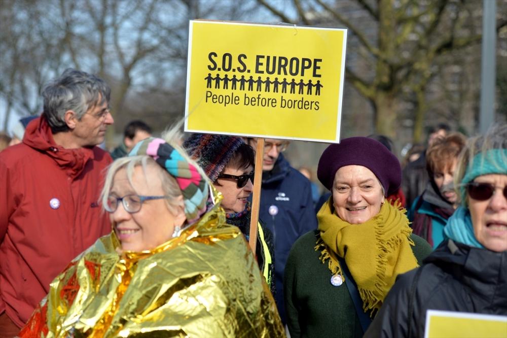 Brüksel'de sığınmacılara destek yürüyüşü galerisi resim 3