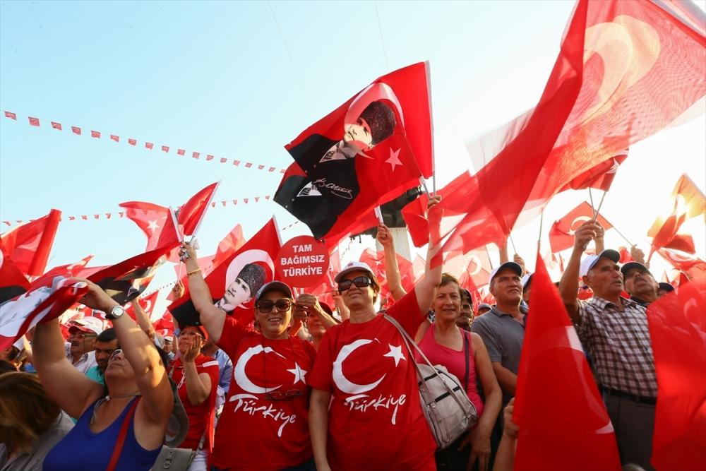 İzmir'de 'Cumhuriyet ve Demokrasi' coşkusu galerisi resim 11