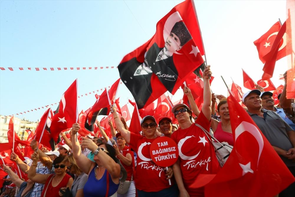 İzmir'de 'Cumhuriyet ve Demokrasi' coşkusu galerisi resim 12
