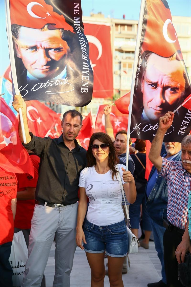 İzmir'de 'Cumhuriyet ve Demokrasi' coşkusu galerisi resim 19