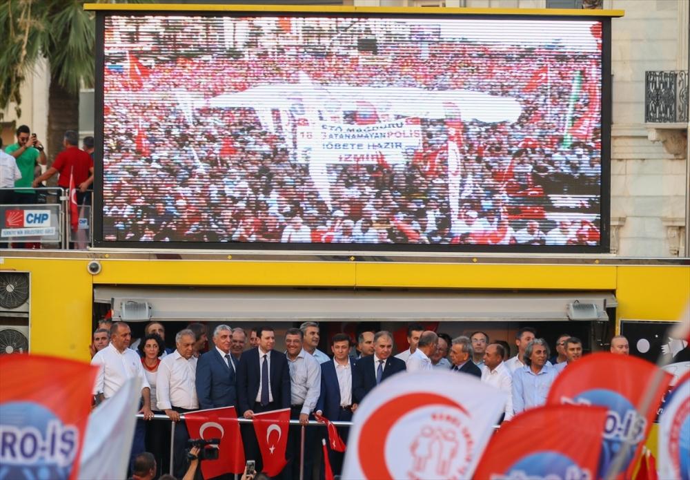 İzmir'de 'Cumhuriyet ve Demokrasi' coşkusu galerisi resim 24
