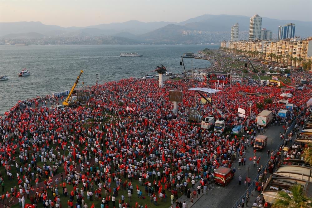 İzmir'de 'Cumhuriyet ve Demokrasi' coşkusu galerisi resim 25