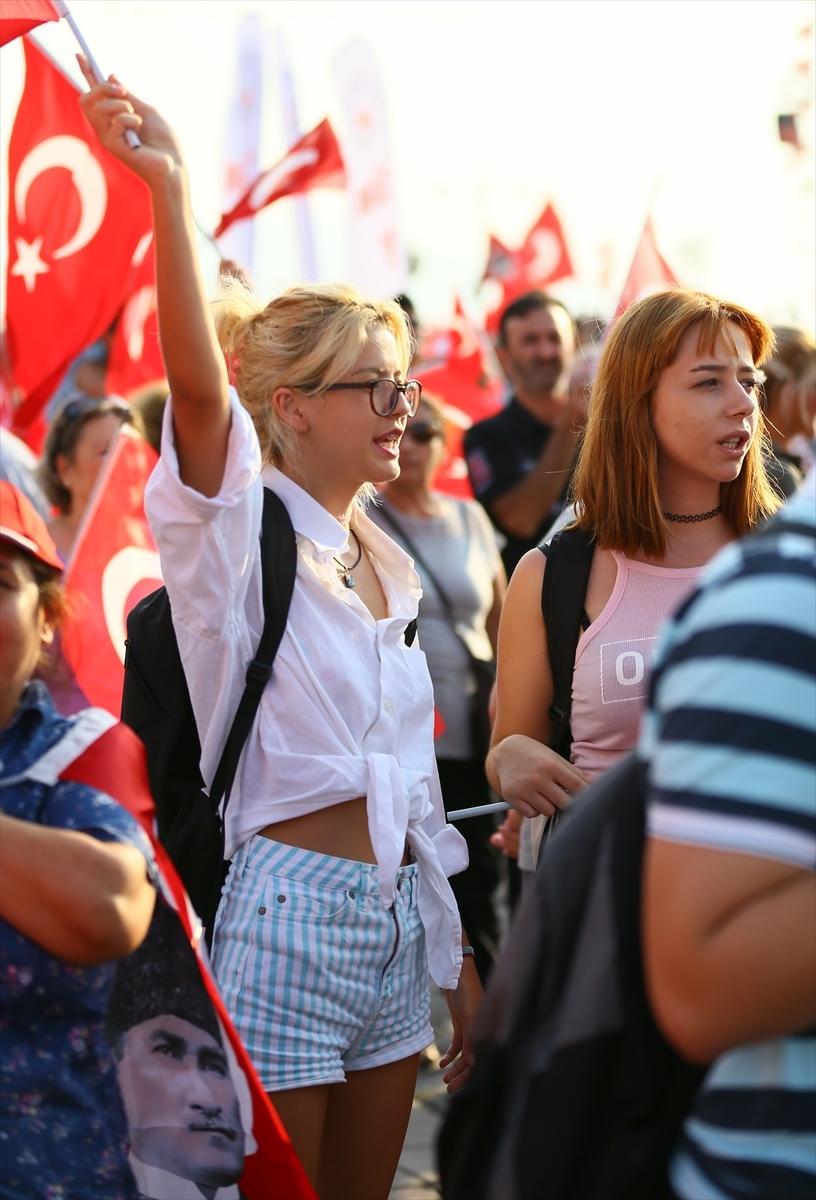 İzmir'de 'Cumhuriyet ve Demokrasi' coşkusu galerisi resim 3