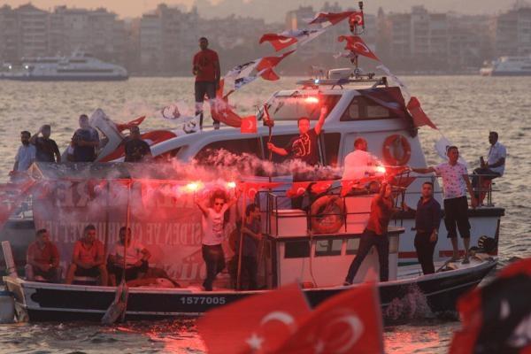 İzmir'de 'Cumhuriyet ve Demokrasi' coşkusu galerisi resim 31