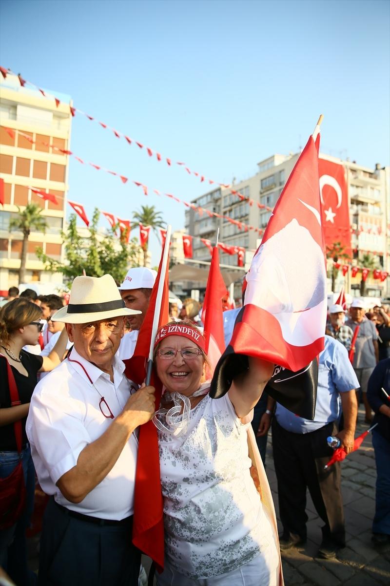 İzmir'de 'Cumhuriyet ve Demokrasi' coşkusu galerisi resim 4