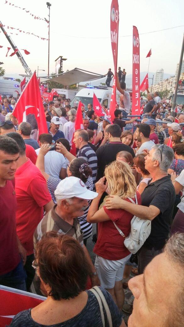 İzmir'de 'Cumhuriyet ve Demokrasi' coşkusu galerisi resim 40