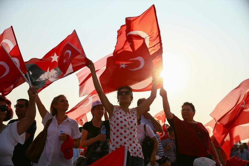 İzmir'de 'Cumhuriyet ve Demokrasi' coşkusu galerisi resim 6