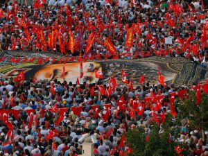 İzmir'de 'Cumhuriyet ve Demokrasi' coşkusu