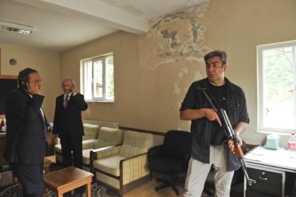 Kılıçdaroğlu'nun konvoyuna saldırı anı galerisi resim 4