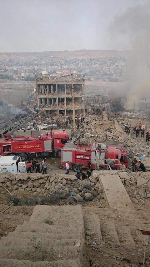 Cizre'de hain saldırı: 8 şehit galerisi resim 6
