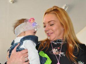 Hollywood yıldızı Lohan, Suriyeliler'i ziyaret etti