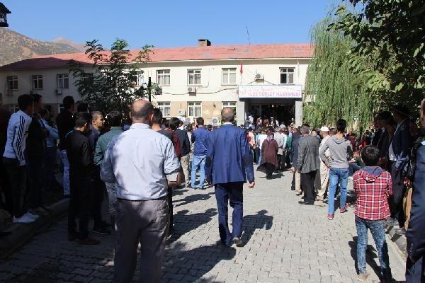 Türkiye şehitlerine ağlıyor galerisi resim 14